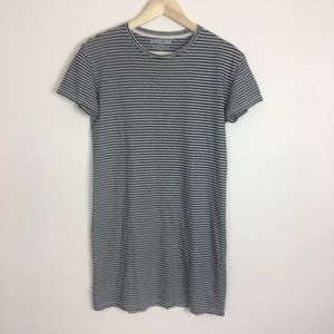 Everlane black & white striped t shirt dress